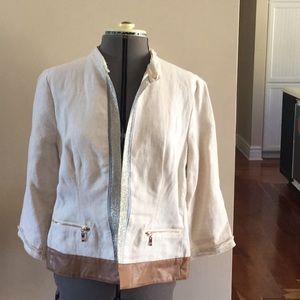 Chico's size 1 top linen, leather beautiful!